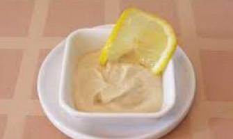 Салатна заправка з медом та сиром тофу