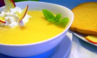 Яблучний суп з медом